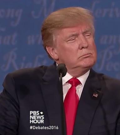 Clinton: Trump là người nguy hiểm nhất thế giới hiện đại - 4