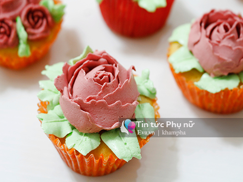 Làm bánh cupcake hoa hồng tặng mẹ 20-10 - 7
