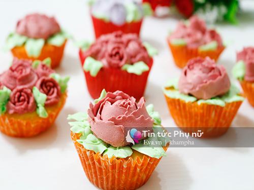 Làm bánh cupcake hoa hồng tặng mẹ 20-10 - 8