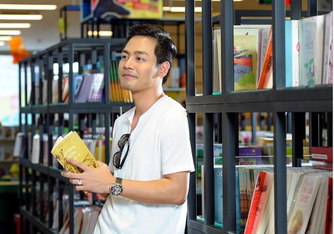 """Không diện vest, MC Phan Anh vẫn """"soái ca"""" như thường - 12"""