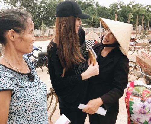 Ngày 20/10 ý nghĩa và hạnh phúc của mỹ nhân Việt ở vùng lũ - 1
