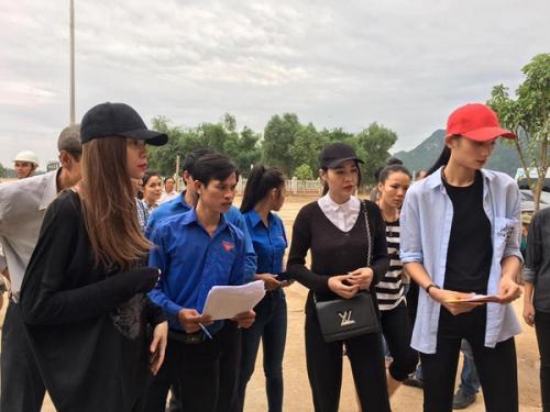 Ngày 20/10 ý nghĩa và hạnh phúc của mỹ nhân Việt ở vùng lũ - 3