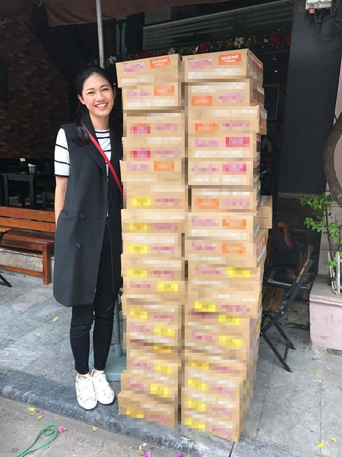 Ngày 20/10 ý nghĩa và hạnh phúc của mỹ nhân Việt ở vùng lũ - 12