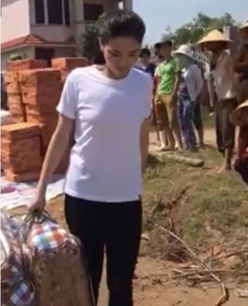 Ngày 20/10 ý nghĩa và hạnh phúc của mỹ nhân Việt ở vùng lũ - 8