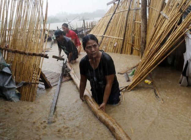 Sau Sarika, siêu bão Haima đổ bộ Philippines - 1
