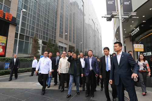 Duterte nhận họ với người TQ: Chưa chắc quan hệ tốt đẹp - 2