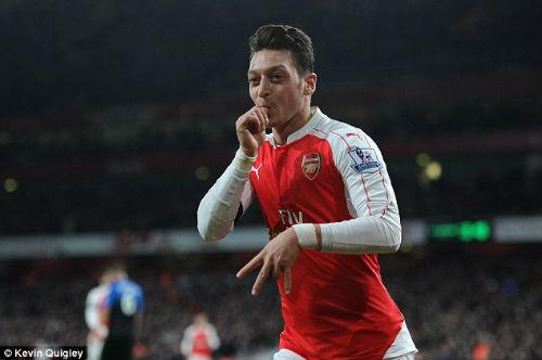 Tin HOT bóng đá tối 20/10: Ozil ra yêu sách với Arsenal - 1