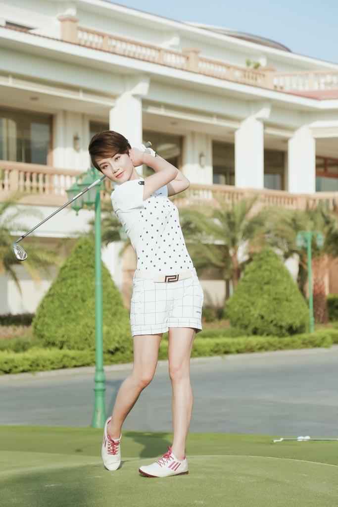 Choáng với sở thích chơi golf tốn kém của nữ MC đài VTV - 2