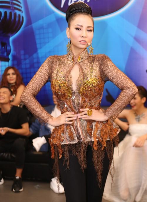 Loạt váy áo khiến gu đẳng cấp của Thu Minh đi xuống - 11
