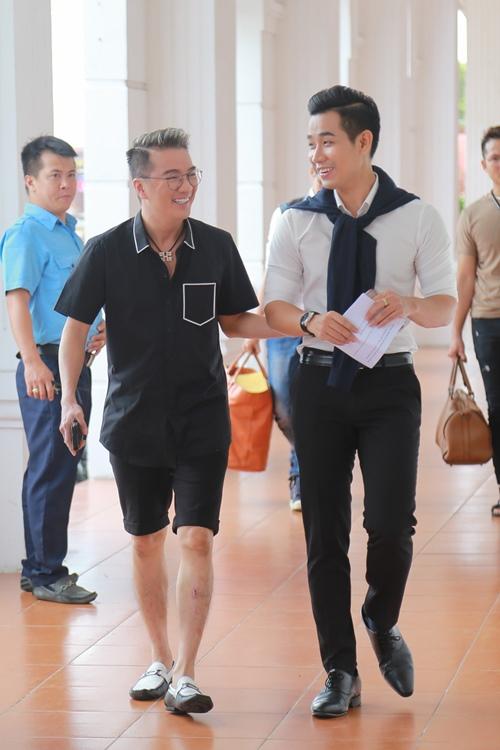 Mr. Đàm khéo léo trang điểm cho chồng Cẩm Ly - 5