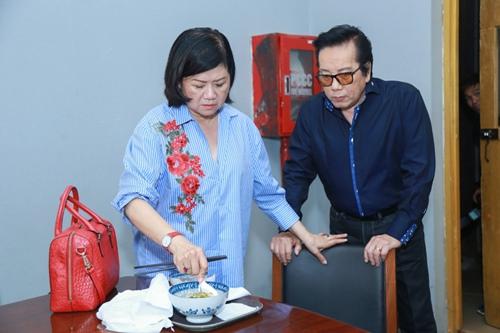 Mr. Đàm khéo léo trang điểm cho chồng Cẩm Ly - 9