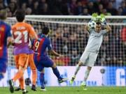 """Bóng đá - Bravo """"ngớ ngẩn"""" trước Barca, CĐV Man City nhớ Joe Hart"""