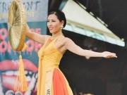 Thời trang - Nguyễn Thị Loan lọt Top 10 Quốc phục đẹp nhất