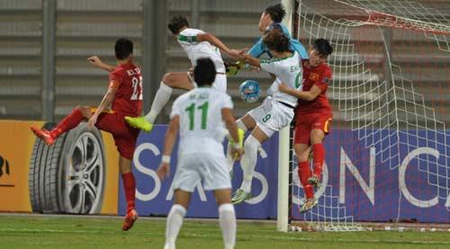 """HLV U19 Iraq tiết lộ điều """"không tưởng"""" sau trận hòa U19 Việt Nam - 1"""