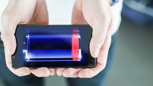 Điện thoại nào pin khỏe gấp 6 lần smartphone thông thường? - 1