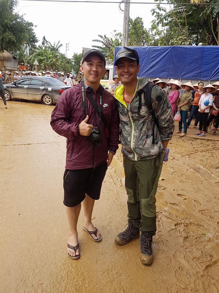 Khó nhận ra MC Phan Anh sau những ngày ở vùng lũ - 11