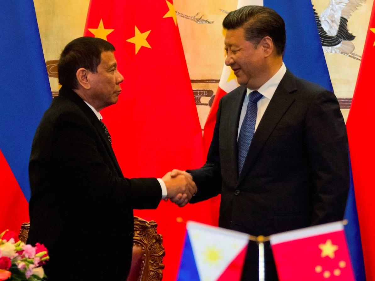 Duterte ngả về TQ, chiến lược Mỹ ở châu Á bên bờ sụp đổ - 1