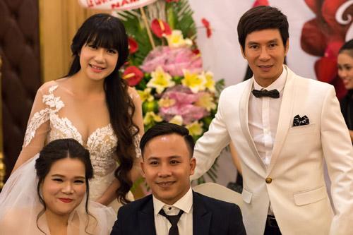 Vợ chồng Lý Hải xúc động dự lễ cưới của 60 cặp khuyết tật - 4