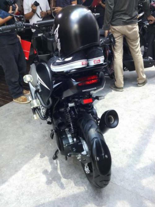 """Honda Beat Street giá 26 triệu đồng khiến giới trẻ """"thèm"""" - 11"""