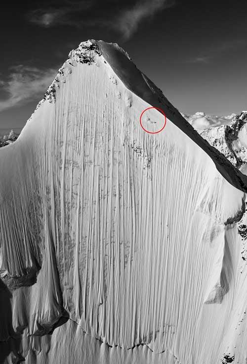 Cảm tử: Trượt xuống đỉnh núi 4000m dựng đứng - 1