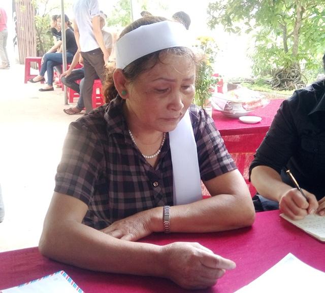 nữ tình nguyện viên tử nạn khi giúp dân vùng lũ hình 2