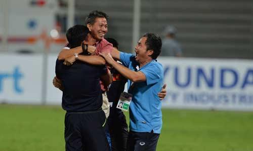 U19 Việt Nam bay xa: VFF chưa thưởng nóng, fan châu Á ca ngợi - 1