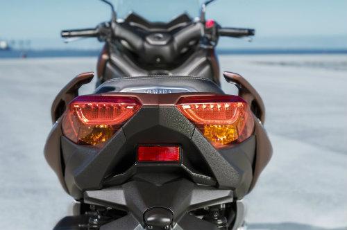 Tường tận siêu xe ga 2017 Yamaha X-Max 300 cho phái mạnh - 7