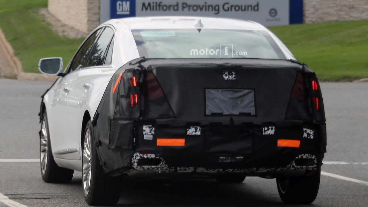 Cadillac vẫn tiếp tục phát triển sedan XTS 2018 mới - 2