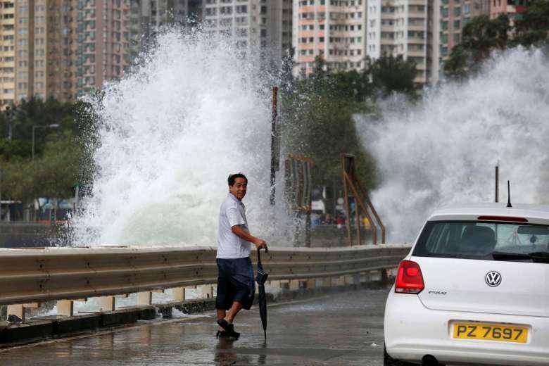 Hồng Kông dừng mọi hoạt động, đối phó bão Haima - 6
