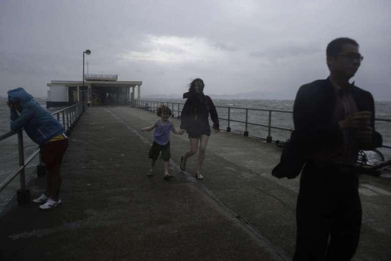 Hồng Kông dừng mọi hoạt động, đối phó bão Haima - 3