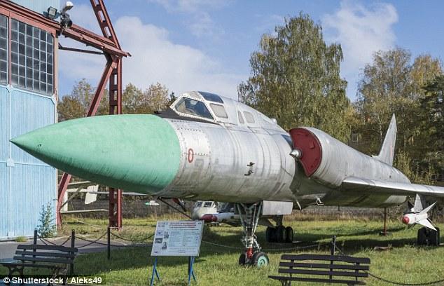 Nga chế tạo máy bay siêu âm hạt nhân đầu tiên thế giới? - 2