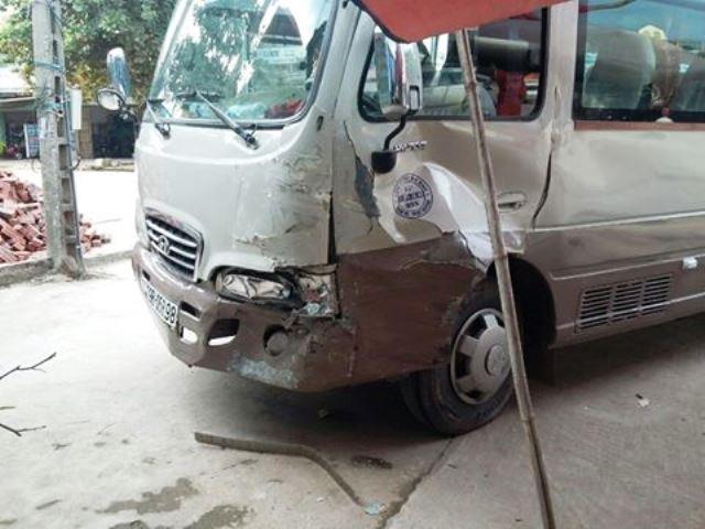 Tình tiết bất ngờ vụ bé trai 13 tuổi lái xe khách gây tai nạn - 1