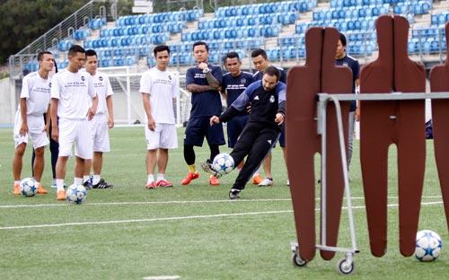 """Sao """"bóng đá phủi"""" Việt Nam thích thú tập cùng đồng sự Zidane - 4"""