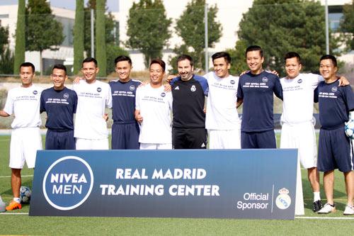 """Sao """"bóng đá phủi"""" Việt Nam thích thú tập cùng đồng sự Zidane - 2"""