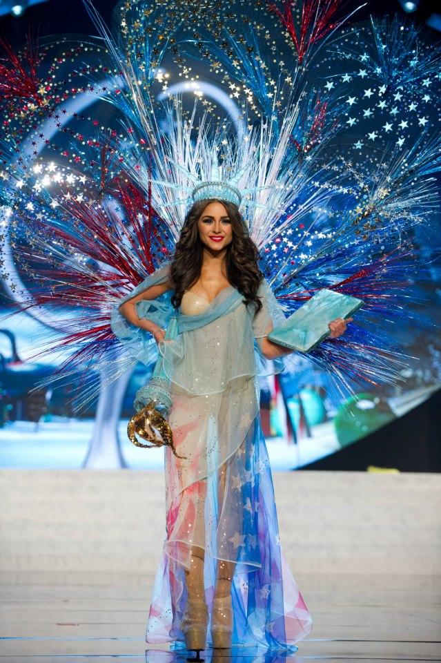 Trang phục dân tộc sexy tới ngạt thở ở cuộc thi hoa hậu - 2