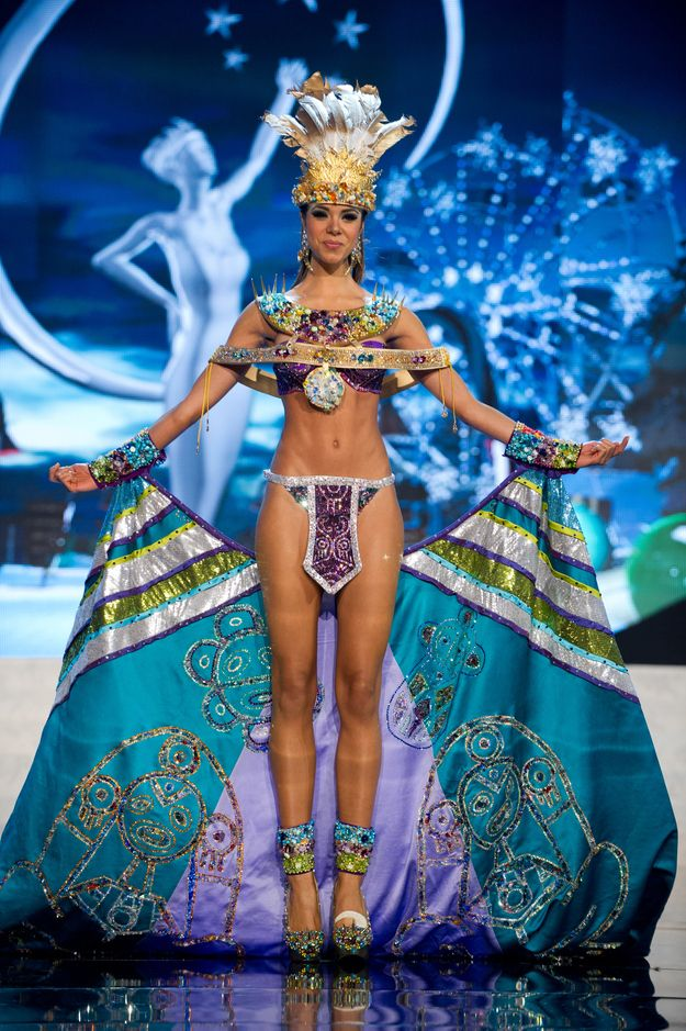 Trang phục dân tộc sexy tới ngạt thở ở cuộc thi hoa hậu - 4