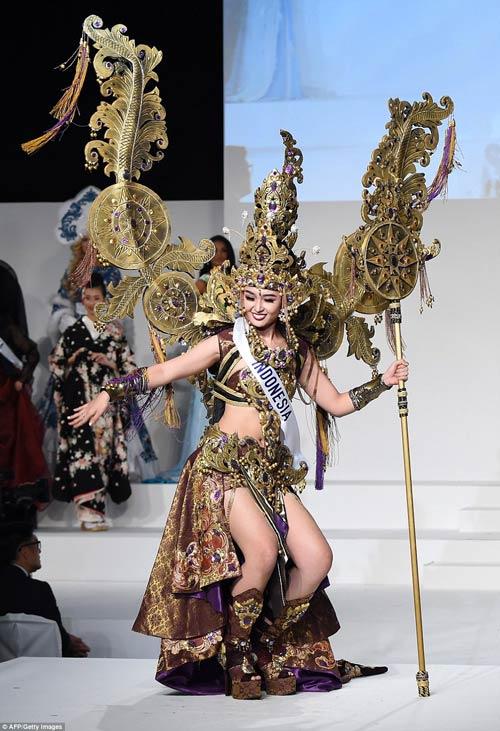 Trang phục dân tộc sexy tới ngạt thở ở cuộc thi hoa hậu - 11