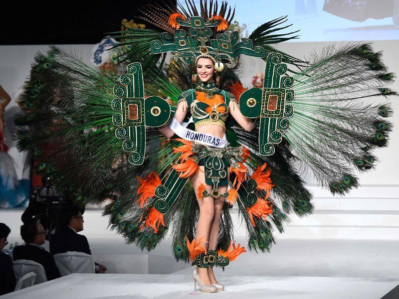 Trang phục dân tộc sexy tới ngạt thở ở cuộc thi hoa hậu - 8