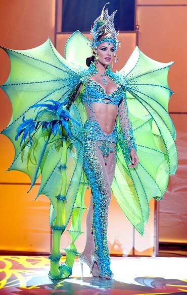 Trang phục dân tộc sexy tới ngạt thở ở cuộc thi hoa hậu - 10