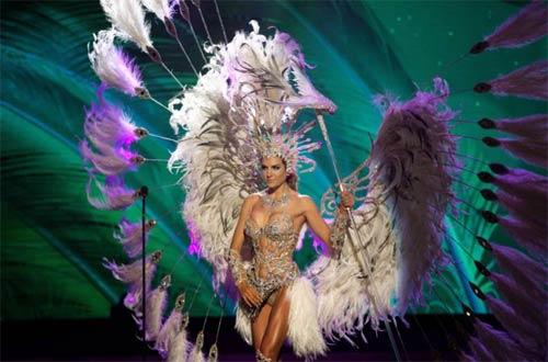 Trang phục dân tộc sexy tới ngạt thở ở cuộc thi hoa hậu - 15