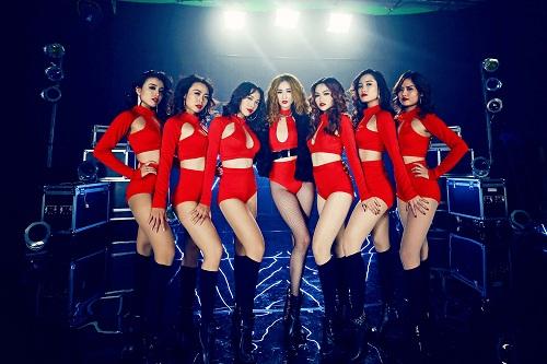 Ngắm phục trang MV tiền tỷ siêu nóng của Khánh My - 10