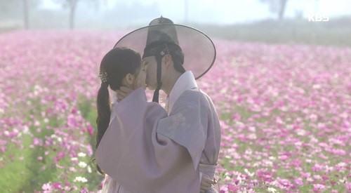 Mỹ nhân 17 tuổi trong phim Hàn bị phạt vì cảnh quay hở hang - 3