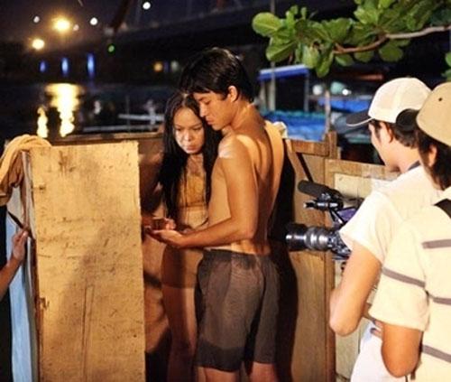 """Những bí mật đằng sau cảnh """"nóng"""" của sao Việt - 1"""
