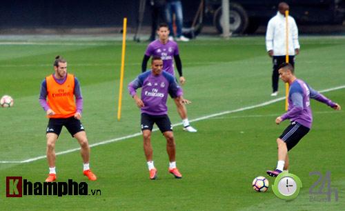 """Đặc biệt từ Real: Phóng viên Việt Nam đi """"săn"""" Ronaldo - 11"""