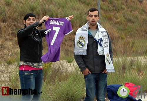 """Đặc biệt từ Real: Phóng viên Việt Nam đi """"săn"""" Ronaldo - 12"""
