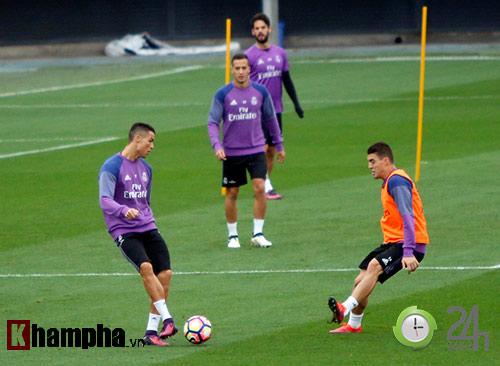 """Đặc biệt từ Real: Phóng viên Việt Nam đi """"săn"""" Ronaldo - 4"""