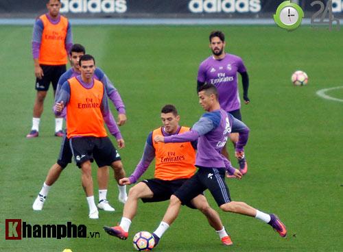 """Đặc biệt từ Real: Phóng viên Việt Nam đi """"săn"""" Ronaldo - 7"""