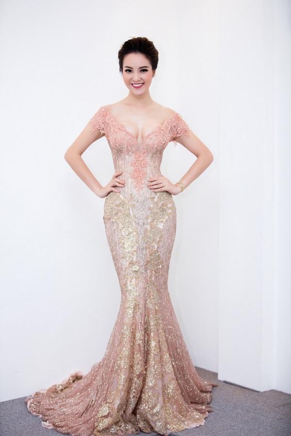 HH Mỹ Linh, Phạm Hương dẫn đầu top mặc đẹp nhất tuần - 5