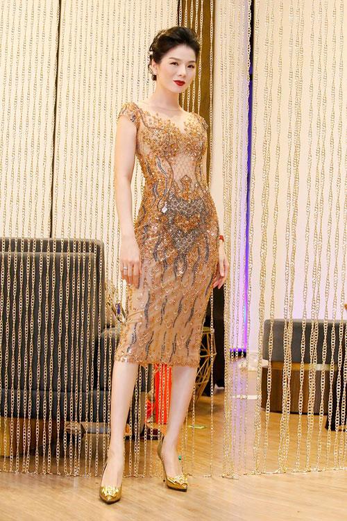 HH Mỹ Linh, Phạm Hương dẫn đầu top mặc đẹp nhất tuần - 9