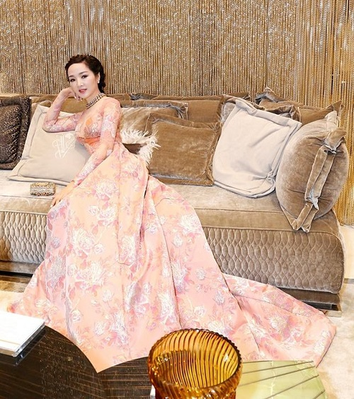 HH Mỹ Linh, Phạm Hương dẫn đầu top mặc đẹp nhất tuần - 10